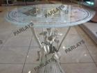 Стол с круглой стеклянной столешницей