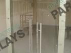 Стеклянная дверь распашная